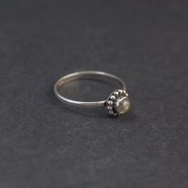 Srebrny pierścionek z labradorytem (rozm.13)