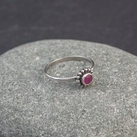 Srebrny pierścionek z rubinem (rozm.14)