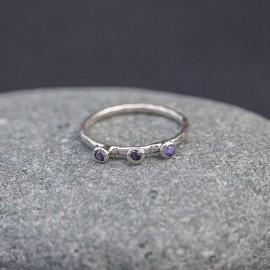 Srebrny pierścionek z ametystami